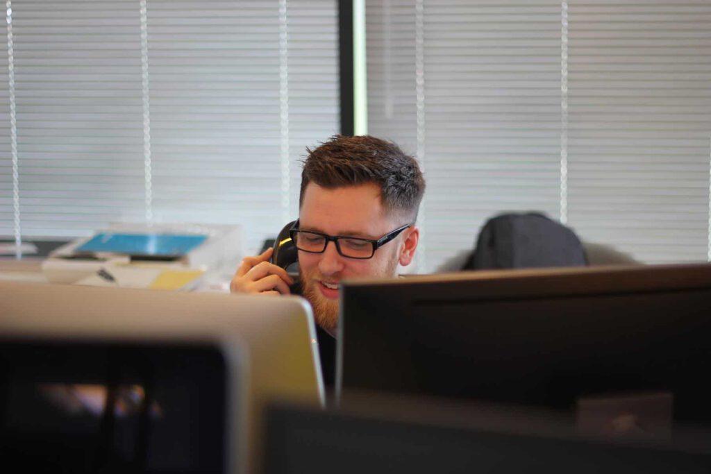 Das Bild zeigt wie du auch für einen asynchronen remote Usability Test Kunden rekrutierst. Je nach Anbieter kannst du diese lästige Aufgabe auch delegieren.